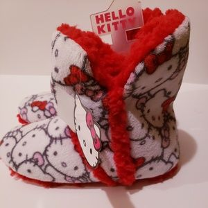 Hello Kitty Shoes - Hello Kitty Winter bootie slippers